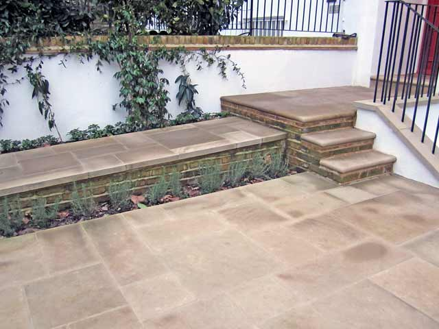 Sawn yorkstone paving patio